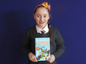 Faye Year 5 My favourite book is Grandpa's Great Escape by David Walliams. I like this book because it is funny and interesting.